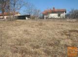 Sežana okolica, na robu naselja Zazidljiva 860 m2