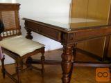 starinska miza in stoli