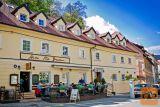 Iščemo natakarja v restavraciji pod ljubljanskim gradom