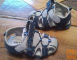 Rabljeni otroški sandali št. 23