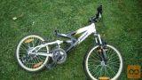 Kolesa in deli za kolesa