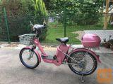 Prodam roza električno kolo, nova baterija, cena 550€.