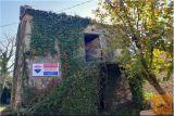 2 Stari Vrstni Istrski Hiši V Centru Vasi Trsek